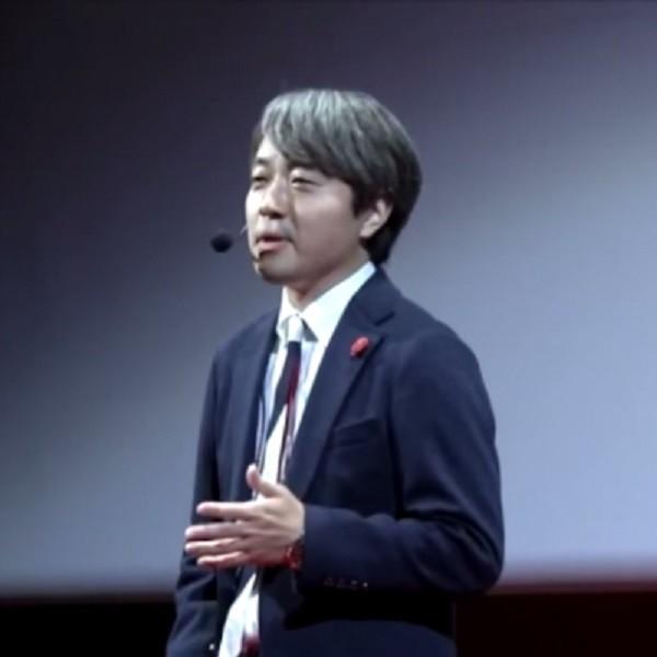 TEDでプレゼンテーション中の東畑幸多さん